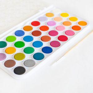 choisir-couleurs-boite-peinture