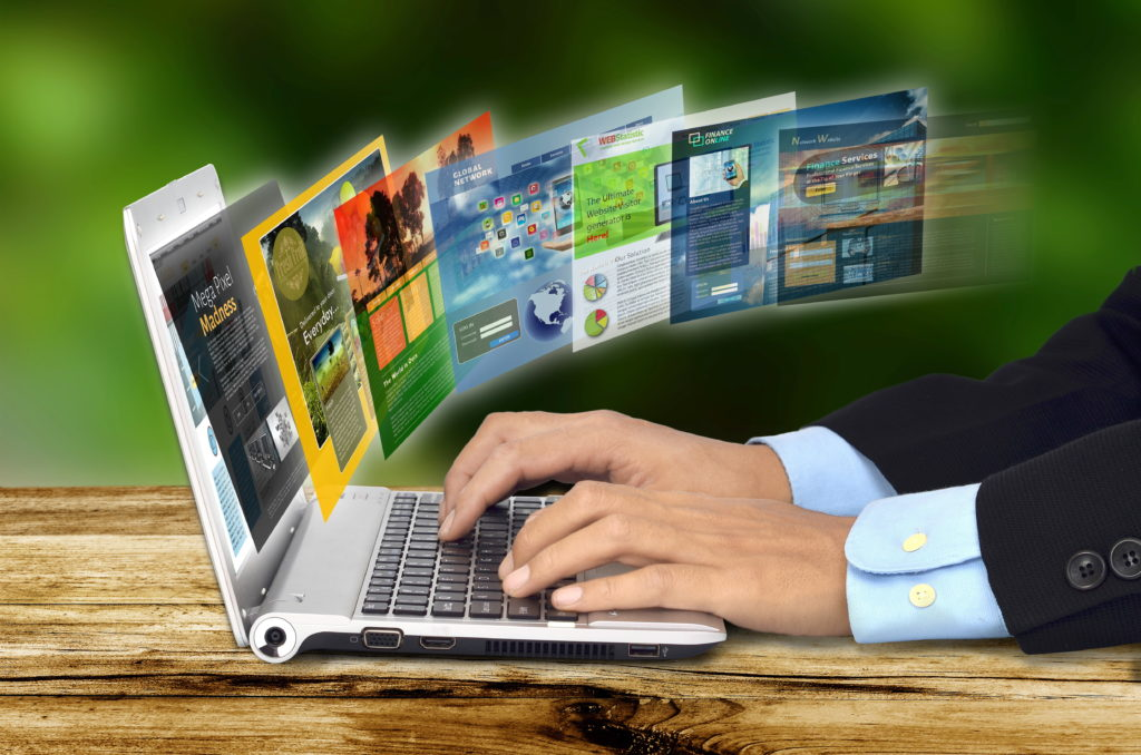 un client recherche sur internet et consulte des site web. Illustration