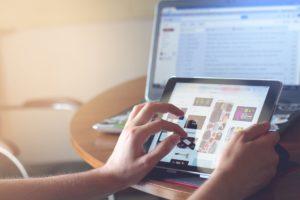 Site-web-sur-tablette