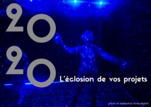 Photo de nuit bleue avec message de voeux pour une carte imprimée ou numérique. Illustration